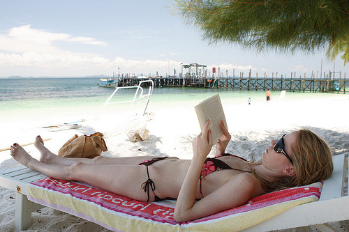reading-by-beach