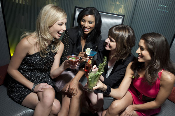 iPic Theaters Bring the Party this NFL Season