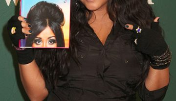 "Snooki Debuts New Book- ""A Shore Thing"""