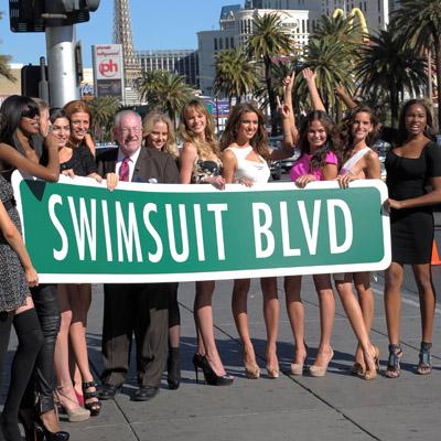 "Sports Illustrated Swimsuit Models Celebrate New ""Swimsuit Blvd"" on Vegas Strip"